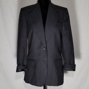 Gucci Jackets   Coats - 🎉PRICE DROP🎉Gucci Navy Pin Stripe Blazer 2993c389c581